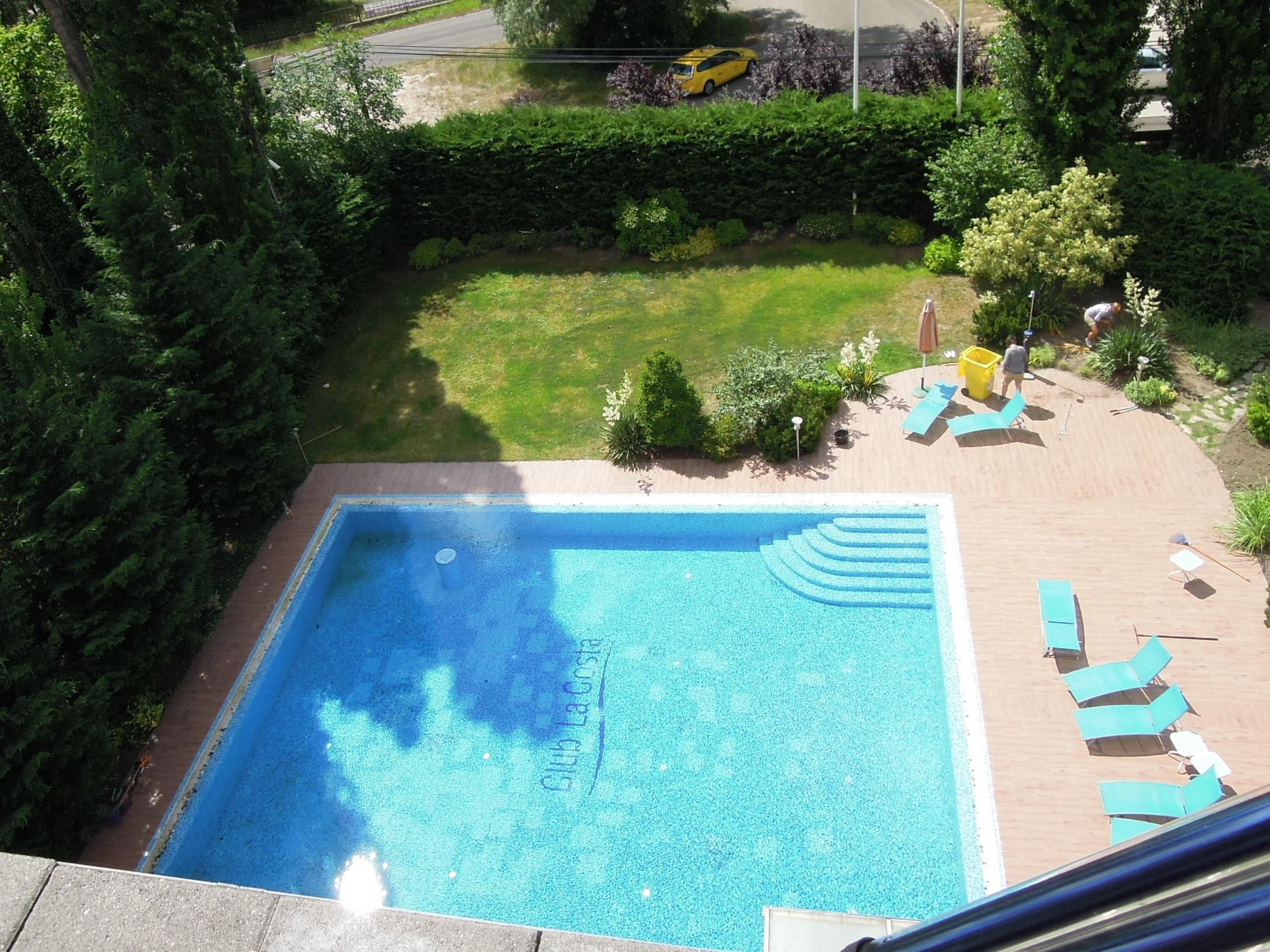 116sm, 4 rooms apartment with panoramic view , roofterrace is for sale in an apartmenthpse with swimming pool in Budapest