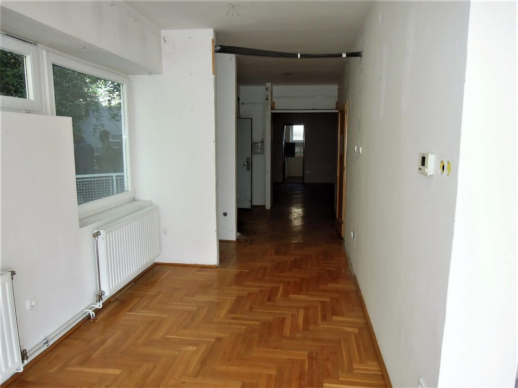 220 sqm apartment with 6 rooms in Budapest II. district Csatárka is for Sale